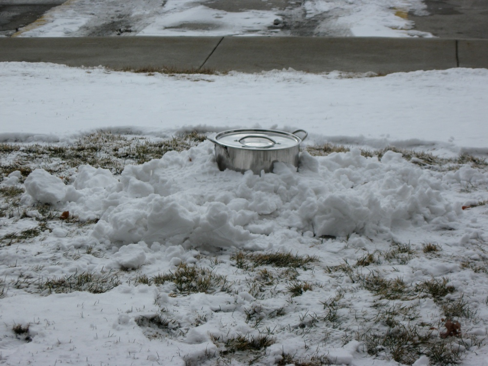 This is how the beer was cooled after boiling.  In an honest-to-goodness snowfort